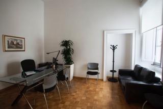 Termini ad.Barberini Roma Centro affittasi Uffici stanza uso ufficio arredato tutti i servizi Büro & Gewerbe 3