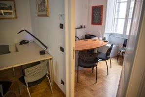 Termini ad.Barberini Roma Centro affittasi Uffici stanza uso ufficio arredato tutti i servizi Büro & Gewerbe