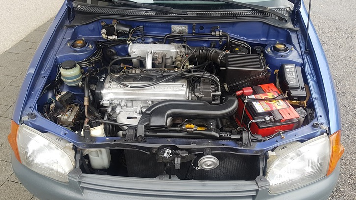 Toyota Starlet 1.3  Fahrzeuge 2