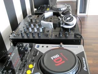 YAMAHA TYROS5, Pioneer DJ CDJ-2000NXS2, Korg Pa4X WHATSAPP: + 1780 299-9797 Musik 2