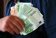 Bereitstellung von Kredit für die Personen in Bedürfnis