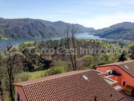 Villa a Schiera di 3.5+studio, vista lago in zona relax a Vernate  Lugano 6900 Kanton:ti