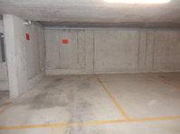 parcheggio ampio (mt.2,80) e ad angolo, in autorimessa, 6612  Kanton:ti