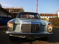 Mercedes-benz 200 D oldtimer