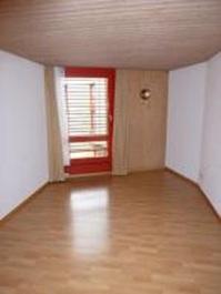 Suche Nachmieter für Einzelzimmer Studentenwohnheim per 1.Mai 8052 Seebach Kanton:zh