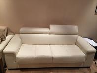 Pures weisses Leder Sofa - Bett - Schlafsofa