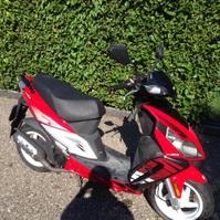 Vero affare vendo bellissimo scooter sym 50 usato pocchissimo tenuto bene e perfettamente funzionante in ottime condizioni fr 700