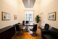 Roma Via Veneto, stanza arredata in Business Center, servizi inclusi