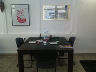 A Roveredo (Canton Grigioni), offresi in locazione postazioni di lavoro e domiciliazioni societarie.