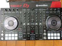 PIONEER DDJ SX2...600€/Pioneer XDJ-RX...900€/Allen & Heath Xone:92..570€