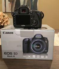 Available Canon 5D Mark IV-Nikon D750-Nikon D3X-Nikon D850