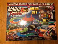 Magic Tracks RC Racer Mega Set inkl. 2 Autos Rennbahn leuchtet Auto Spielzeug Kind Indoor Zuhause Deheimu